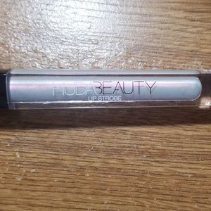 Huda beauty lip strobe